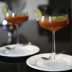 Inkiväärillä ja korianterilla maustettu kylmä caspachio